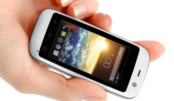 5 Smartphone Terkecil Di Dunia Jalantikus Com