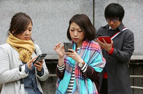 smartphone-addict-4