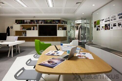 25 Foto Ruang Kerja Tokoh Tokoh Terkenal Di Dunia 27