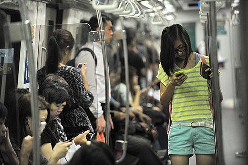 smartphone-addict-2