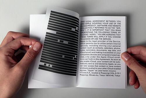 Seniman Ini Membuat Pamflet Untuk Menyindir Pengguna Internet Dan Aplikasi 2