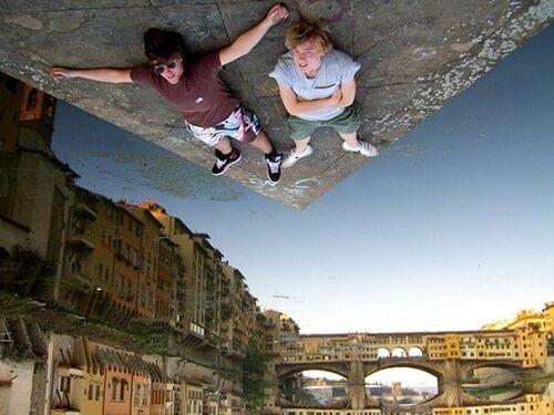 Foto Ilusi Sudut Pengambilan Gambar 9