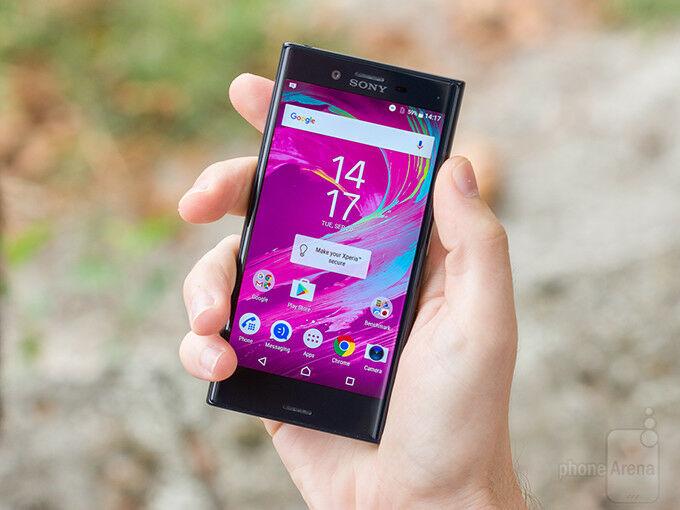 smartphone-android-tahan-air-terbaiksony-xperia-xz1-compact