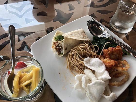 komparasi-huawei-nova-3i-vs-iphone-x-food-02