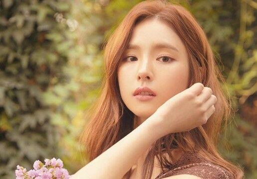 Aktris Korea Shin Se Kyung 8abb0