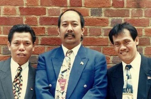 Aktor Indonesia Tahun 90an B1729