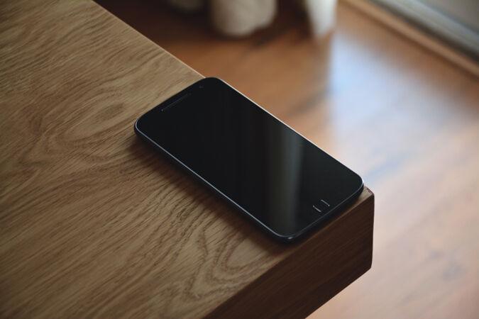 Smartphone di Sudut Meja