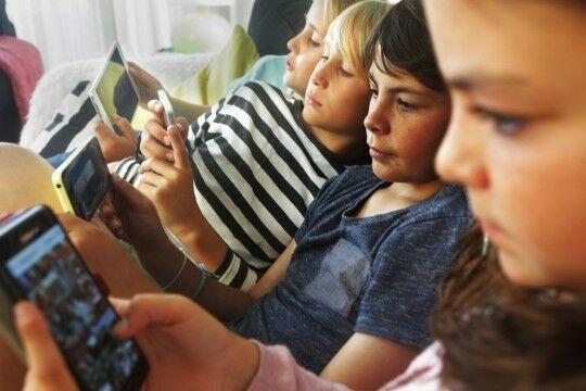 Main Game Multiplayer Menggunakan Bluetooth 0476c