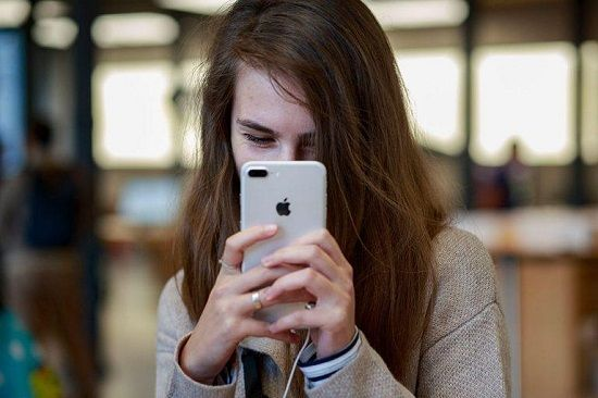 15 Konten Kontroversial yang Pasti Dibanned oleh Apple App Store video viral info traveling info teknologi info seks info properti info kuliner info kesehatan foto viral berita ekonomi