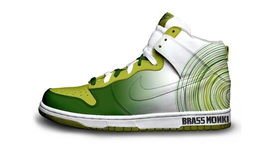 Sneaker Sosial Media Dan Teknologi Mini 9