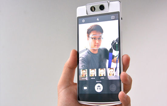 Smartphone Dengan Kamera Depan Terbaik 9