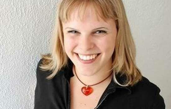 Gamer Wanita Dengan Penghasilan Ratusan Juta Alana Reid