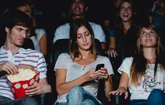 Tempat Terlarang Menggunakan Smartphone 2