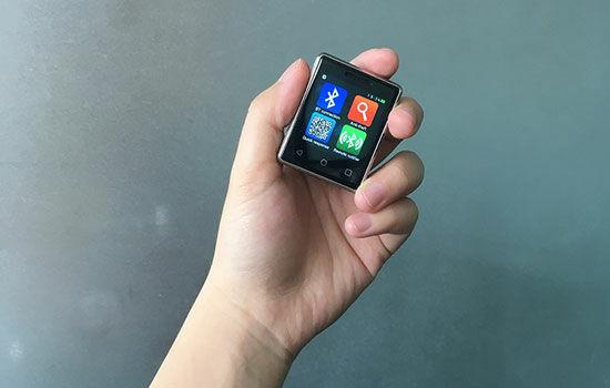 Smartphone Terkecil Di Dunia 2