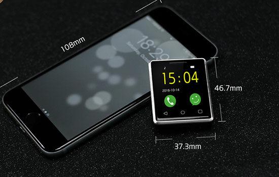Smartphone Terkecil Di Dunia 4