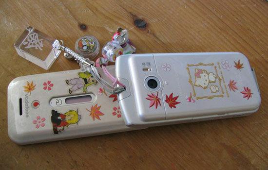 Kebiasaan Unik Orang Jepang Saat Pake Smartphone 5