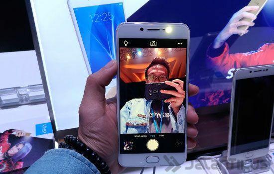 Vivo V5 Smartphone Selfie Terbaik 6