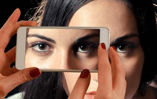 Bahaya Terlalu Lama Menggunakan Smartphone