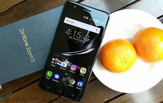 Review Asus Zenfone Zoom S 7