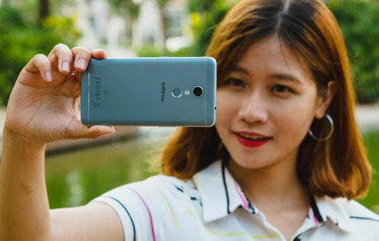 Smartphone Dengan Kamera Depan Terbaik 6