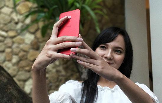 Asus Zenfone 4 Selfie Pro 4