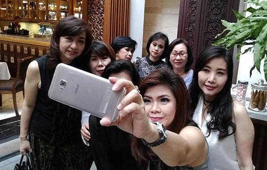 Asus Zenfone 4 Selfie Pro 5