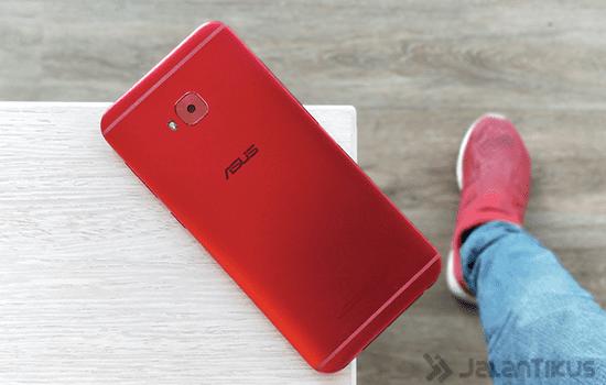 Review Asus Zenfone 4 Selfie Pro 3
