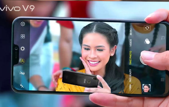 kelebihan-smartphone-bezel-less-3