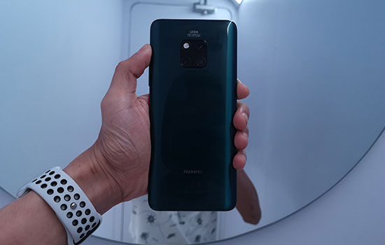 Huawei Mate 20 Pro Vs Iphone Xs 12 Bdf47