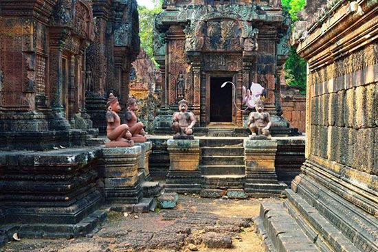 Mew Banteay Srei Cambodia