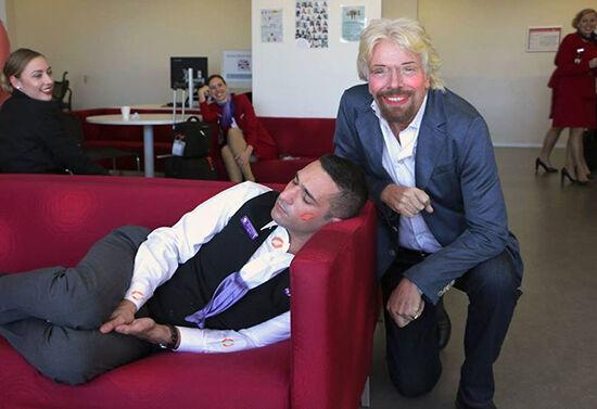 Jangan Pernah Ketiduran Di Kantor Atau Jadi Korban Master Photoshop 12