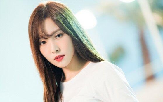 Kpop Yuju GFRIEND Custom F4816