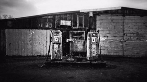 smartphone di pom bensin