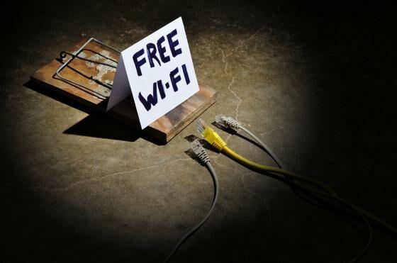 Sebaiknya-Jangan-Menggunakan-WiFi-di-Tempat-Umum