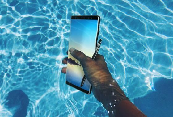 HP android tahan air yaitu HP android yang tidak akan rusak meskipun terkena air 9 HP Android Tahan Air Terbaik, Lengkap Spesisifikasi dan Harga