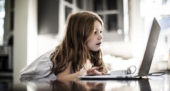 Batas Usia Anak Hal Terlarang Internet