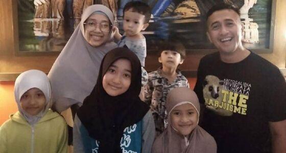 Keluarga Irfan Hakim Eb820