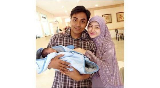 Indri Giana Istri Ustaz Indonesia 2cdcb