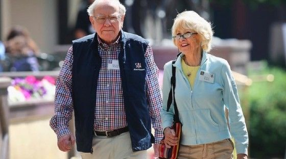 Warren Buffet Astrid Menks 4b442
