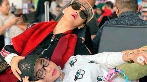 Artis Indonesia Saat Tidur Mangap D5398