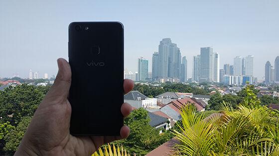 Review Vivo V7 Tampak Belakang