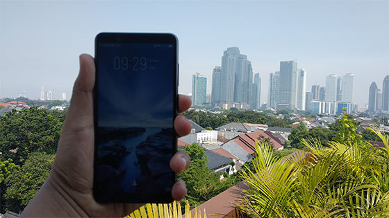 Review Vivo V7 Tampak Depan