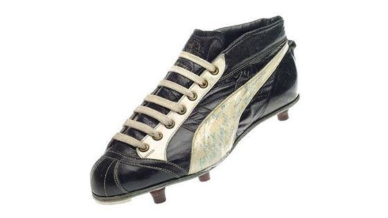 Evolusi Sepatu Sepak Bola 5 D9e5e