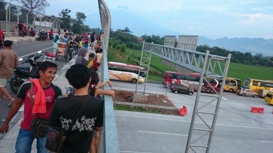 Tempat Ngabuburit Teraneh di Indonesia 1