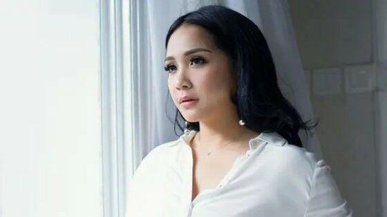 Nagita Slavina Aktris Indonesia Hobi Belanja Mewah 28bb7