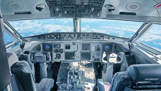 Pilot Melarikan Diri 1b907