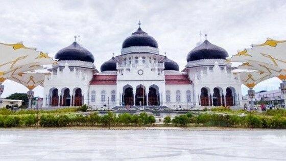 Masjid Agung Baiturrahman 7e211