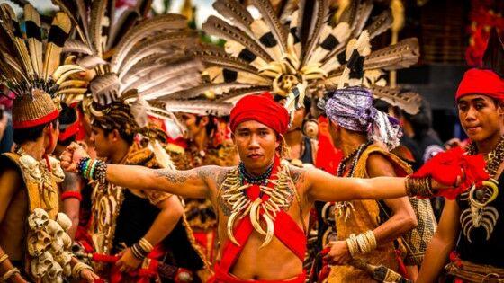 Suku Dayak C8691