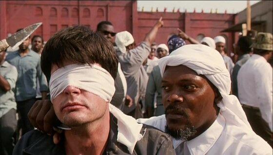 Samuel L Jackson Against The Wall 1994 82722