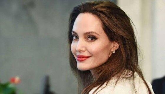 Angelina Jolie 18ab8